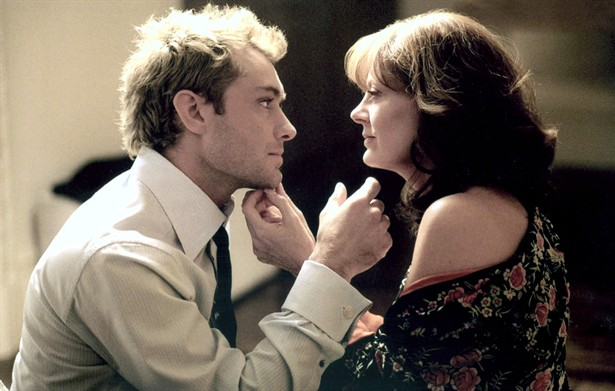 Jude Law,Susan Sarandon