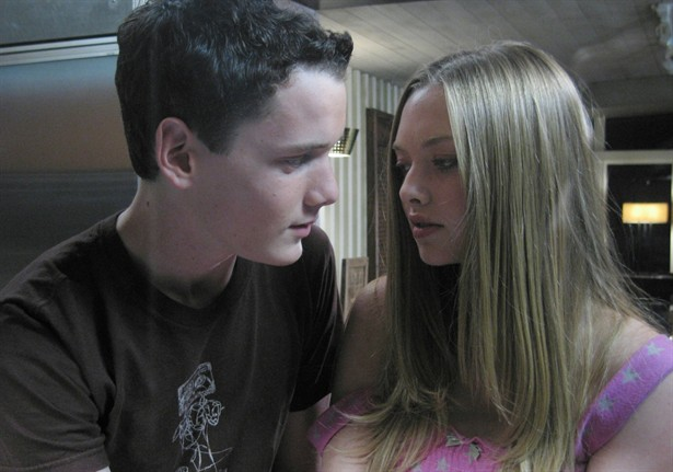 Amanda Seyfried,Anton Yelchin