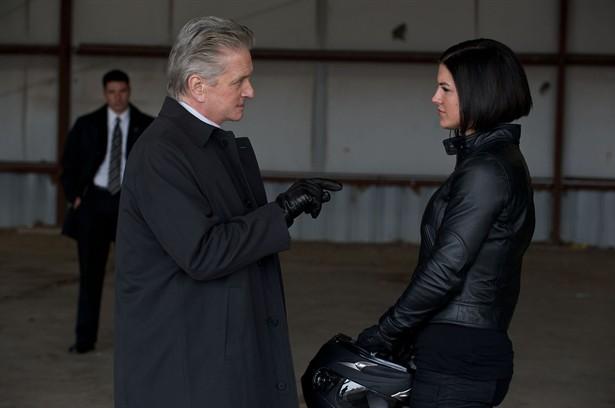 Gina Carano,Michael Douglas