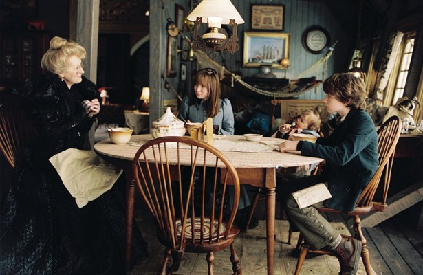 Emily Browning,Liam Aiken,Meryl Streep