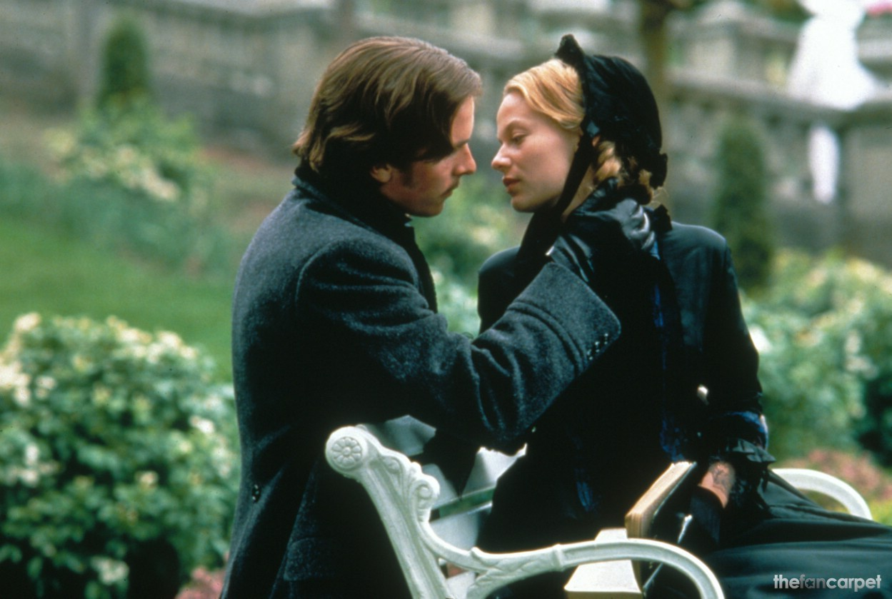 Christian Bale,Samantha Mathis