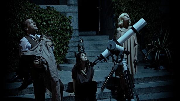 Kiefer Sutherland,Kirsten Dunst