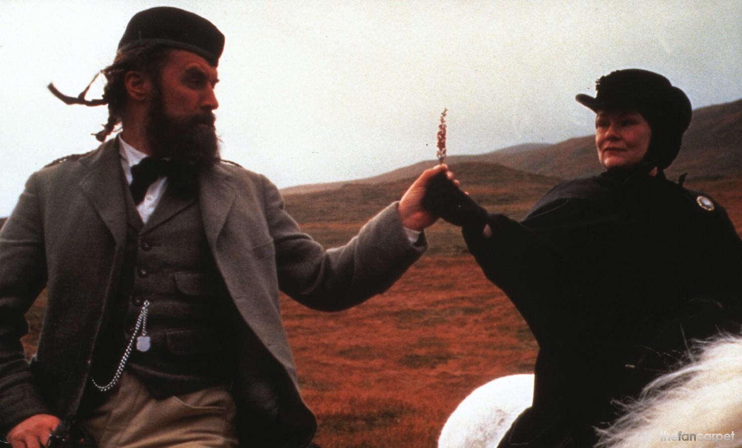 Billy Connolly,Judi Dench