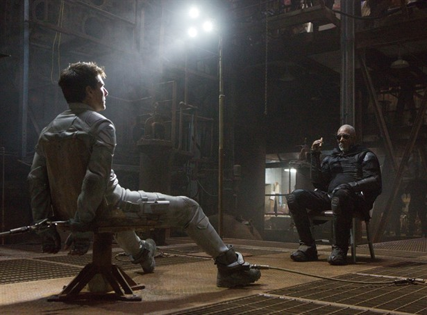 Morgan Freeman,Tom Cruise