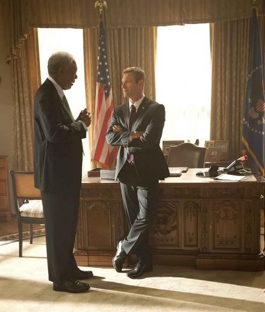 Aaron Eckhart,Morgan Freeman