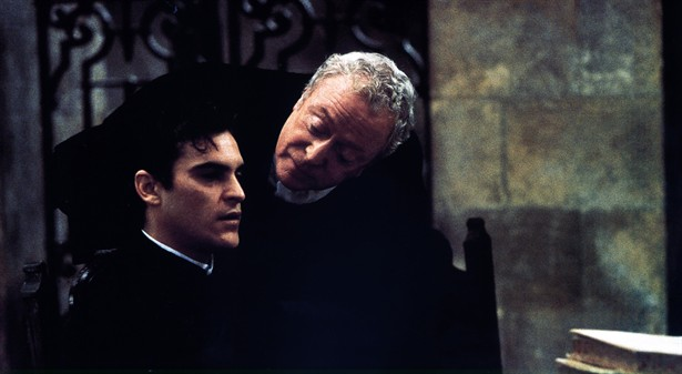 Joaquin Phoenix,Michael Caine