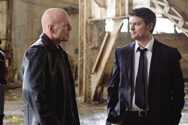 Bruce Willis,Karl Urban