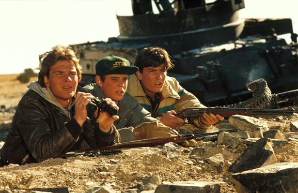 C. Thomas Howell,Charlie Sheen,Patrick Swayze