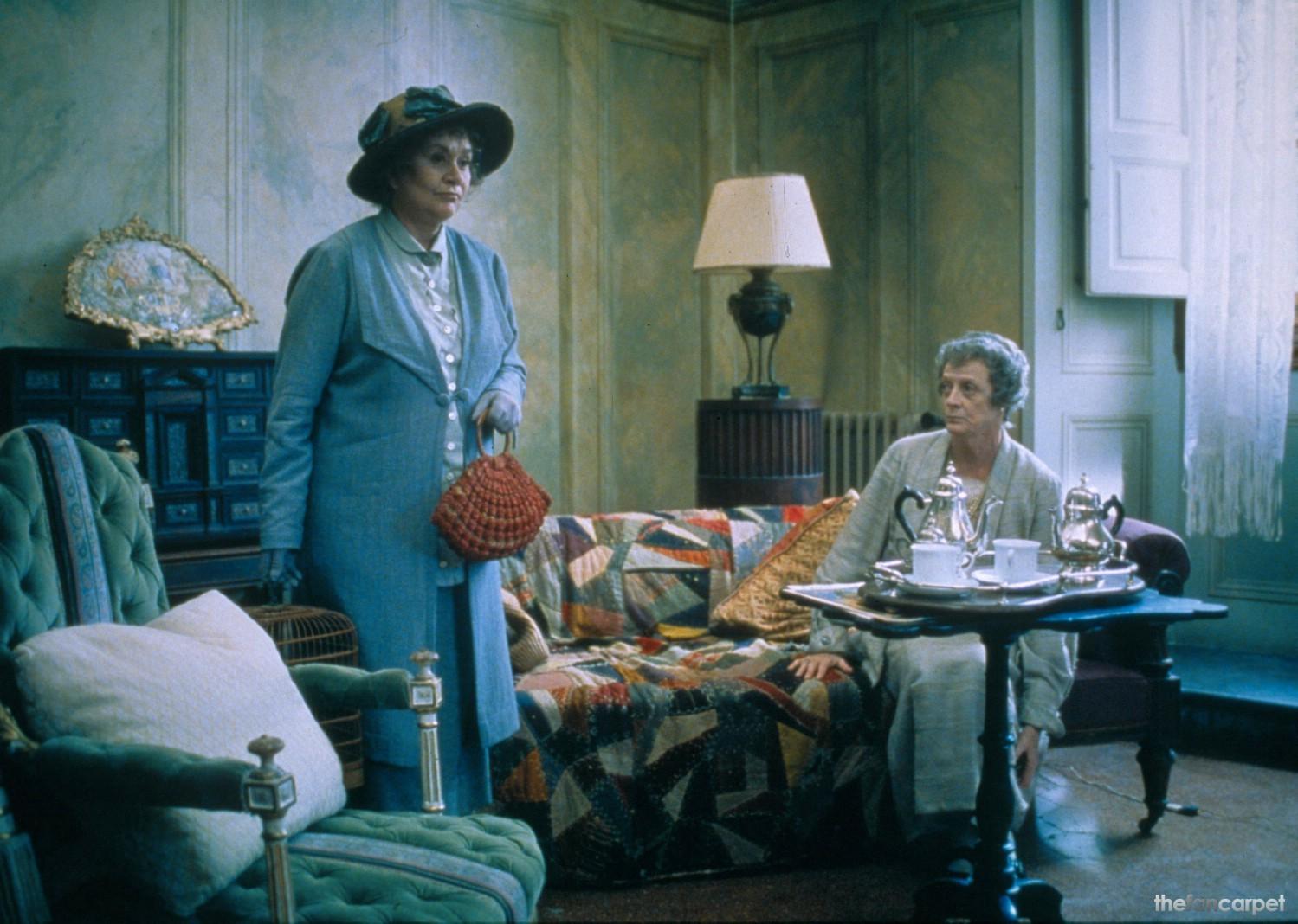 Joan Plowright,Maggie Smith