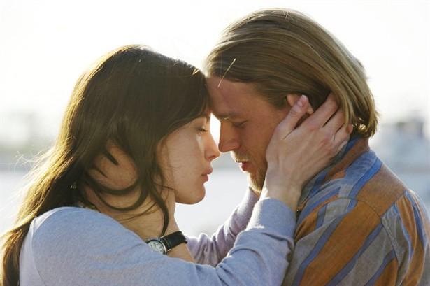 Charlie Hunnam,Liv Tyler