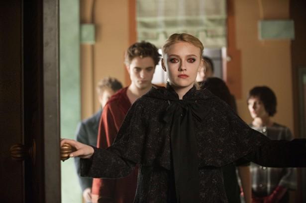 Ashley Greene,Dakota Fanning,Robert Pattinson