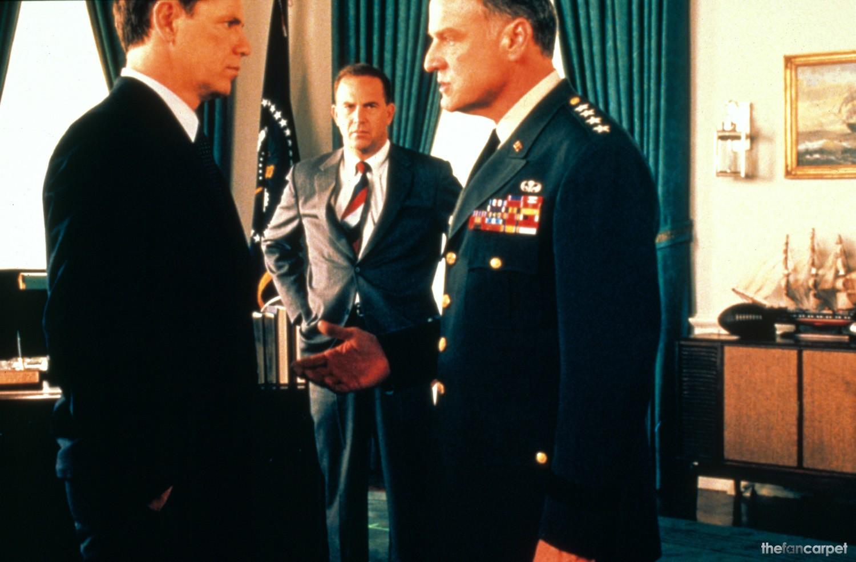 Bruce Greenwood,Kevin Costner