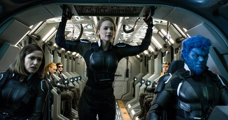 Rose Byrne, Nicholas Hoult, Evan Peters, Jennifer Lawrence, Sophie Turner, Tye Sheridan