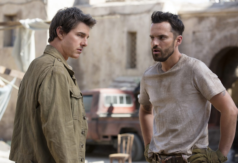 Tom Cruise, Jake Johnson