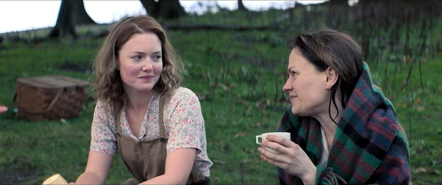 Anna Paquin, Holliday Grainger