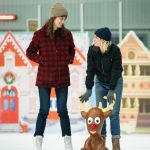 Kristen Stewart, Mackenzie Davis