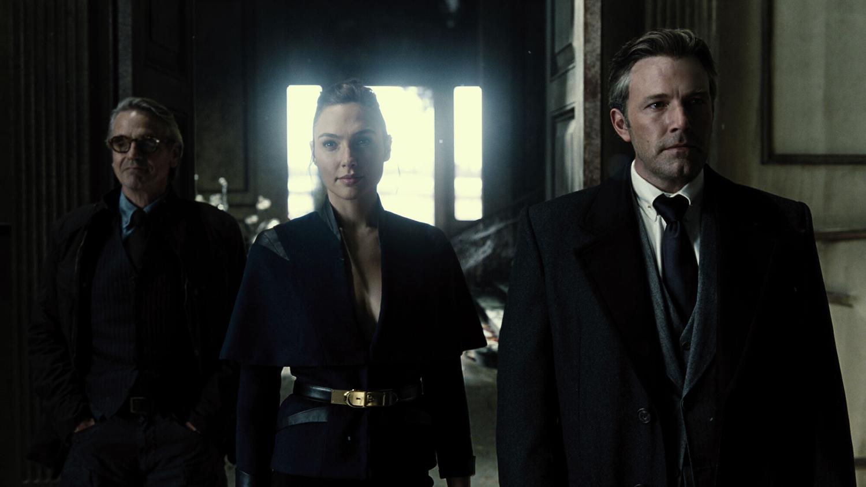 Jeremy Irons, Ben Affleck, Gal Gadot